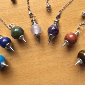 Coloured Sphere Pendulums